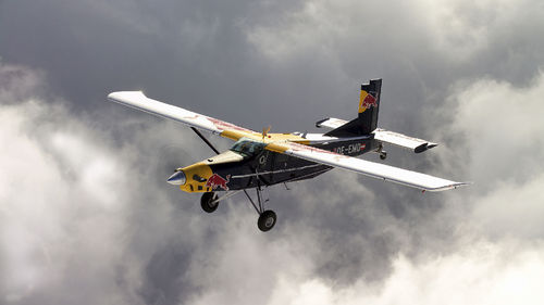 Flying Bulls Pilatus PC-6 Turbo Porter 1:72